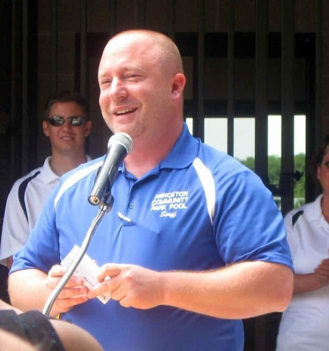 Stentz at the ribbon cutting for the Community Park Pool.